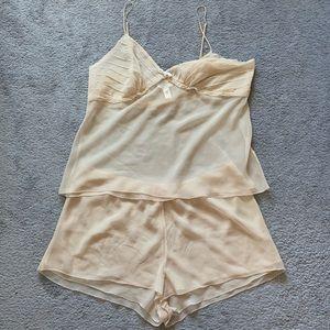 Vera Wang cream sleepwear set, sz L, cami & shorts